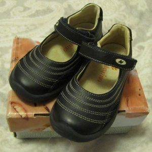 Naturino Navy Blue Mary Jane Shoes size 24 USA 8C